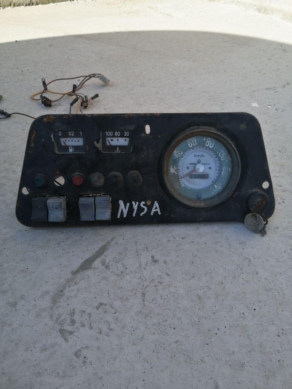 Konsola licznik stacyjka kontrolki wskaźniki  Nysa 522