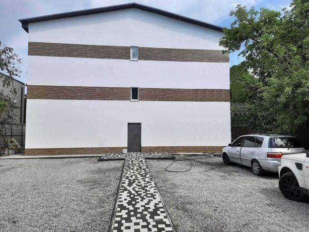Отдельное здание 455 м2 с арендаторами возле метро Славутич / Осокорки