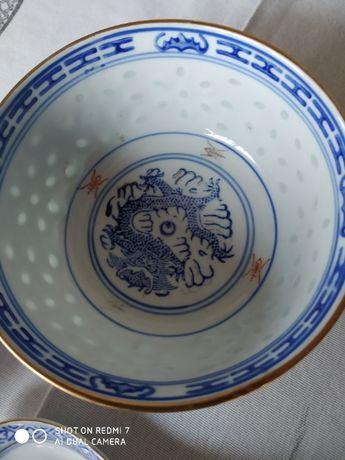 """Taça e colher de Porcelana chinesa """"Bagos de Arroz"""""""