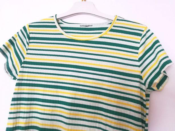 Nowa prążkowana koszulka