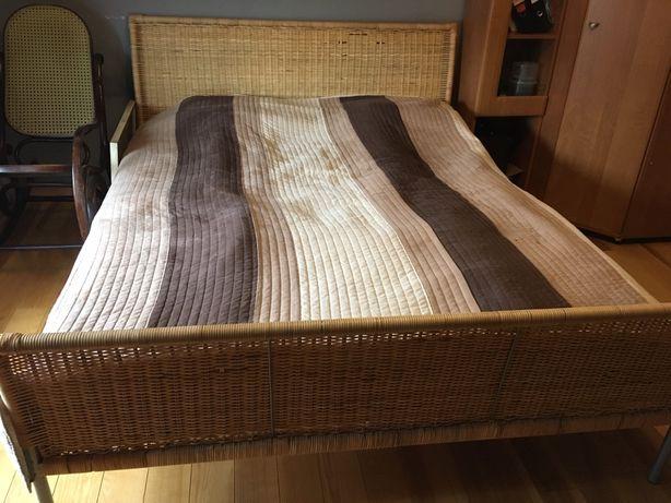 Łóżko rattanowe z materacem ikea