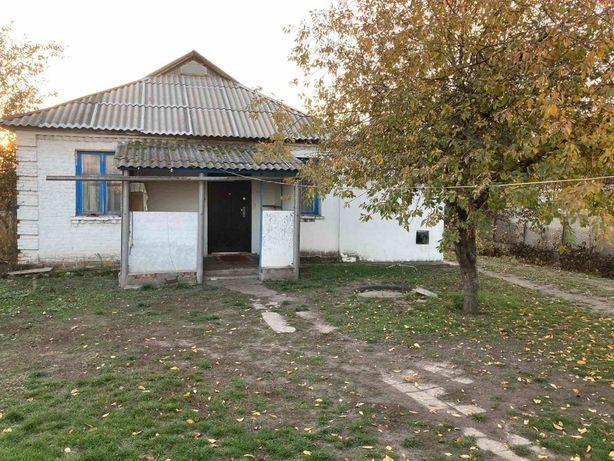 продам, здам або обміняю 1/2 будинку в с.Іркліїв Черкаської області