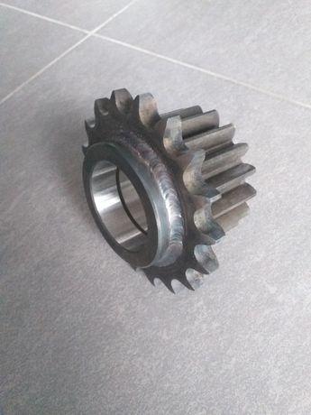 Koło Z18 napędu podbieraka przyczepy samozbierąjacej STRAUTMANN rotor