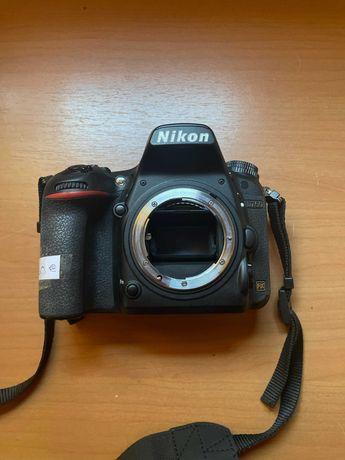 Máquina Nikon D750 Semi nova