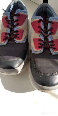 Кросівки жіночі zara