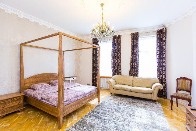 Вільна квартира подобово,погодинно,англіський стиль.Сам центр,Оперний