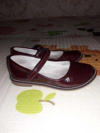 Туфлі лакові для дівчинки