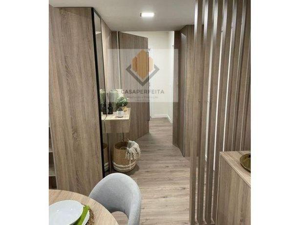 Apartamento T2 de 2 Frentes situado no Forno, Rio Tinto.