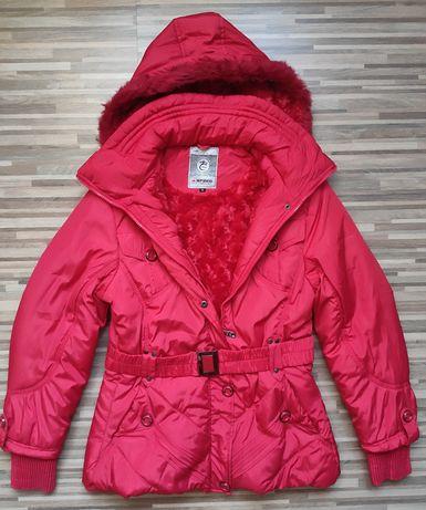 Ładna ciepła czerwona kurtka  XL