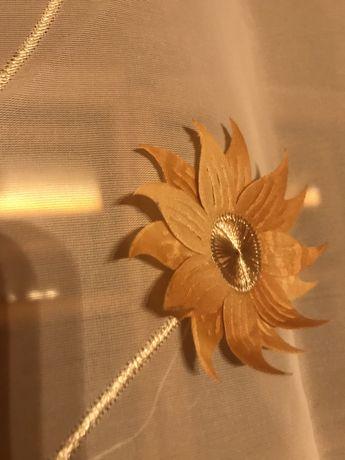 Firany ecru  z motywem złotych kwiatów