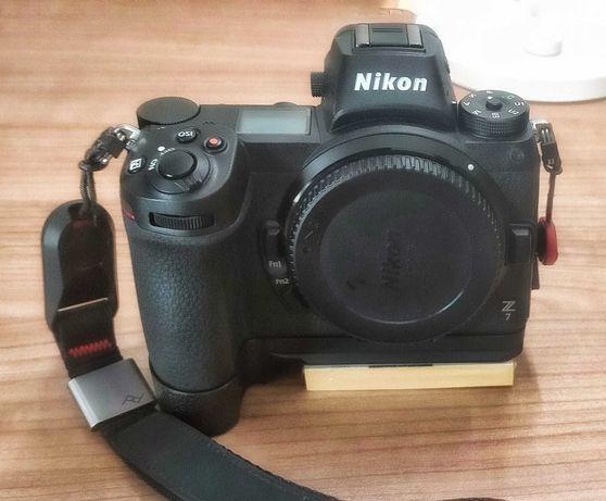 Nikon Z7 kit completo + lente nikkor 85 1.8,  posso vender em separado