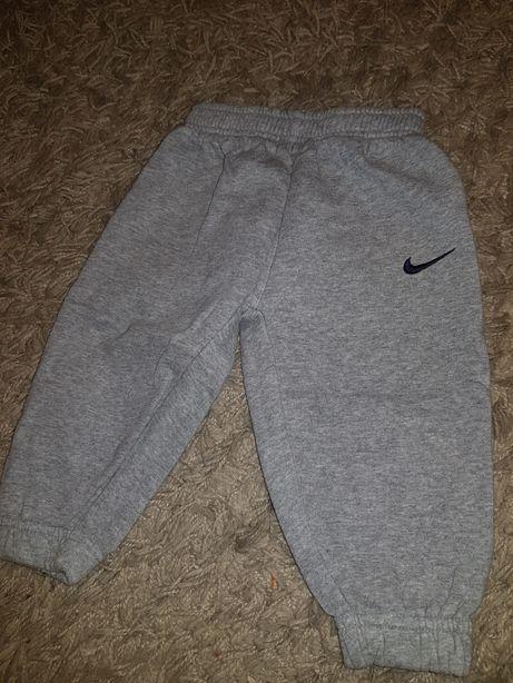 Spodnie dresowe Nike 62 dla chłopca dres