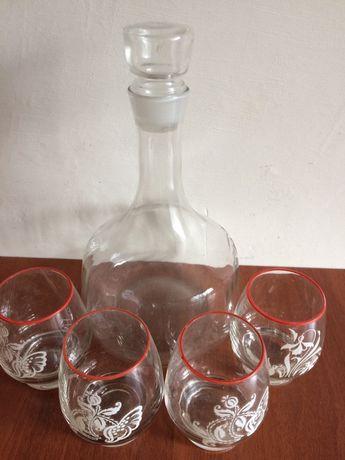 Графін зі скла з стаканами