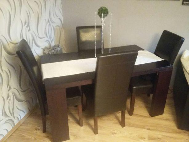 Duży stół rozkładany + 4 krzesła !! StanBDB !! Możliwość transportu !!