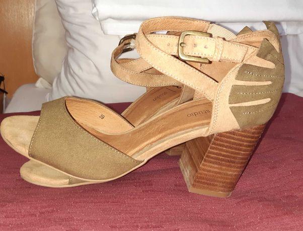 Sandálias com salto alto bloco - La Redoute Detalhe floral