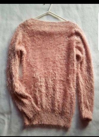 Sweterek wlochaty