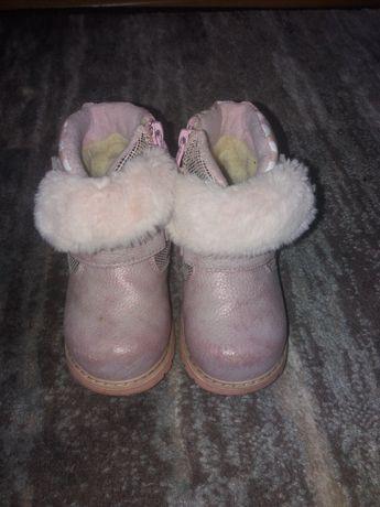 Продаю теплі зимові чобітки