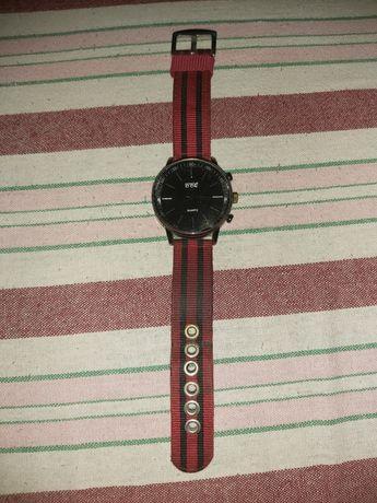 Męski czarny zegarek.. polecam..