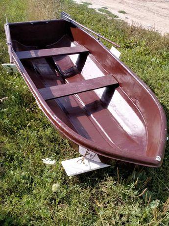 Човен, лодка склопластик