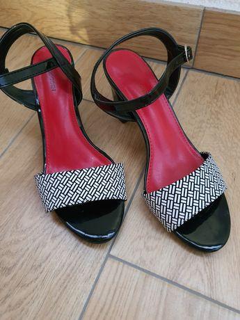 Sandałki Sandały na obcasie 39 eleganckie