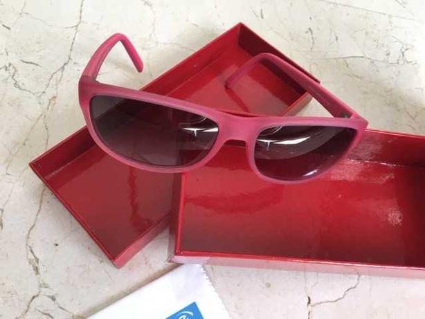 Óculos de sol criança Tommy Hilfiger Toalhetes e Spray de limpeza