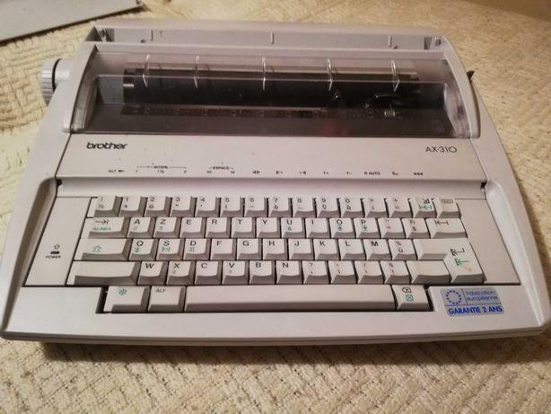 Maszyna do pisania elektryczna Brother