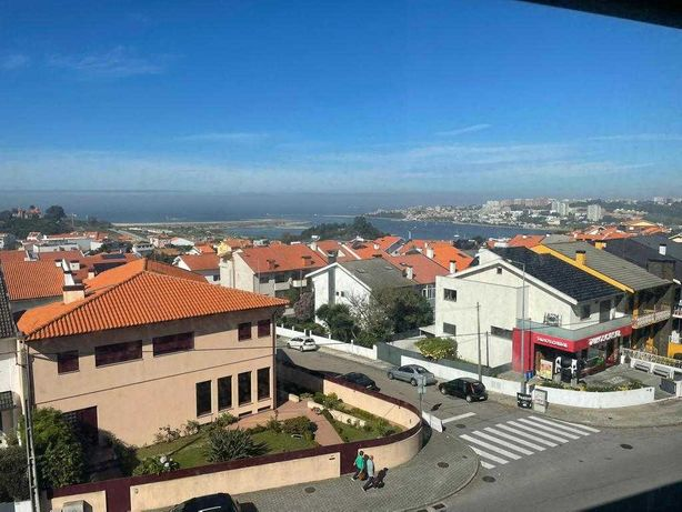 Apartamento T3 a 800 metros da Marina do Douro!