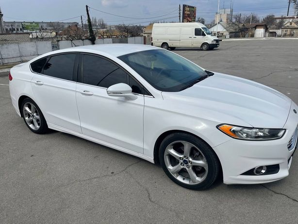 Ford Fusion 2014г