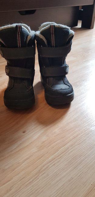 Зимние ботинки фирмы Floare размер 28