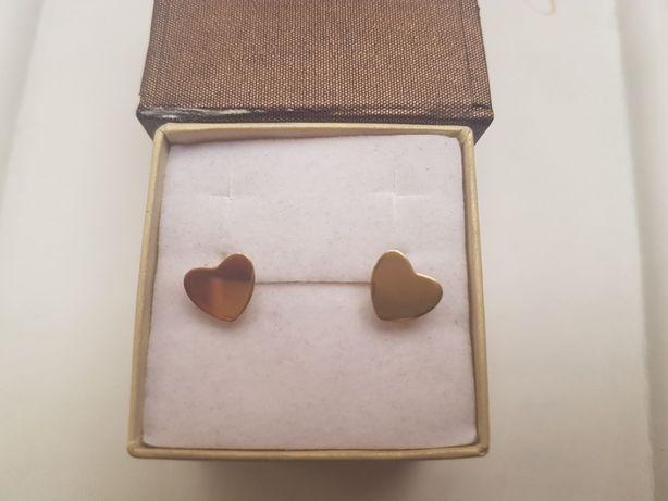Piękne złote kolczyki serduszka na sztyfcie pr.585
