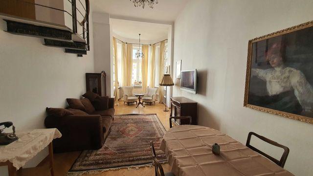 Piękne mieszkanie w zabytkowej kamienicy ...  Dwupoziomowe, 100m