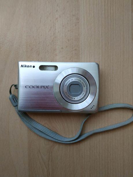 Фотоаппарат Nikon Coolpix S 200.