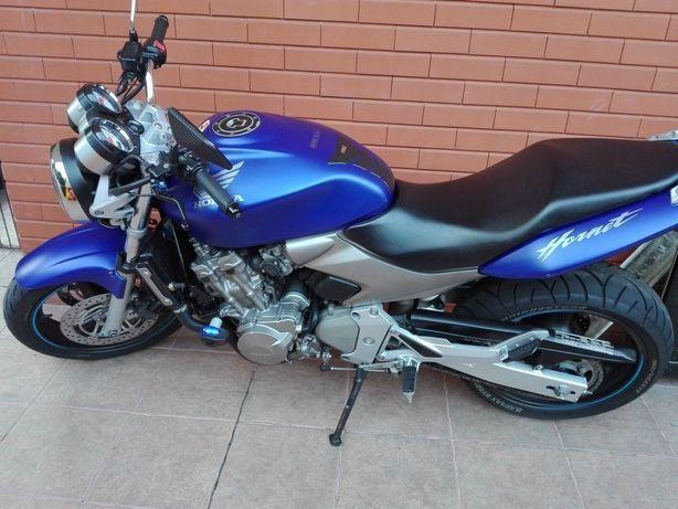 Hornet 600 impecável