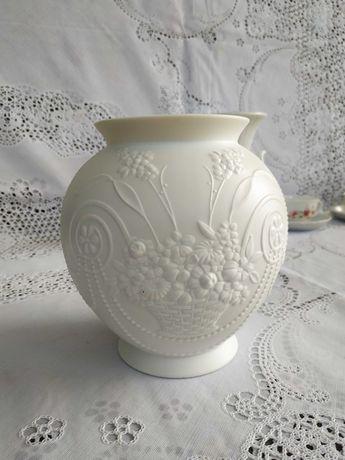 Авторская белая ваза Бисквитный фарфор  Кайзер Kaiser Германия Винтаж