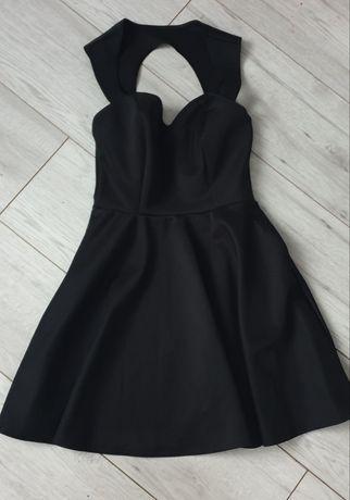 Czarna sukienka dekolt serduszko rozkloszowana r. 36