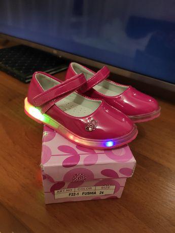 Красивейшие светящиеся туфельки для принцессы 14 см