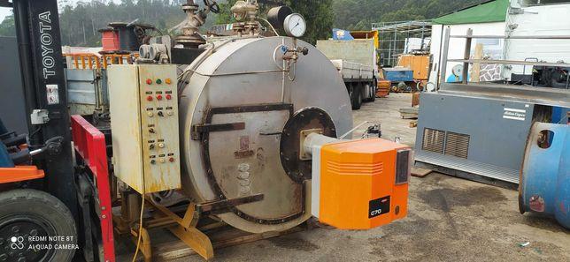 Caldeira de vapor gaz 1000 kg/hora volume 1 m3