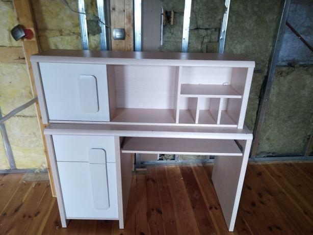 Zestaw biurko z szafką wiszącą
