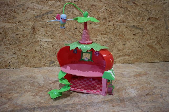 domek dla lalek truskawki