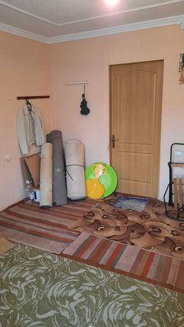 Продам кімнату в гуртожитку 17кв.  м  туалет , вода , опалення електри