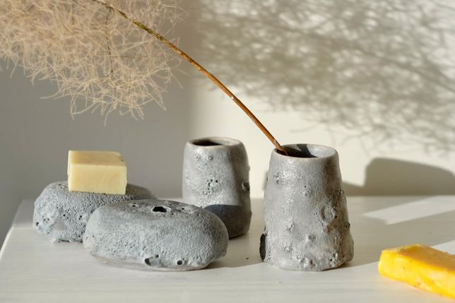 Комплект в ванную комнату мыльница и стаканчик для щеток керамика ручн