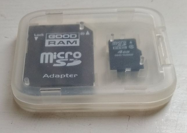 Карта памяти micro-SD 4 Гб с переходником в футляре