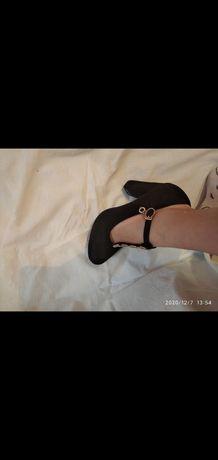 Туфлі на підборах за інформацією пишіть або дзвоніть