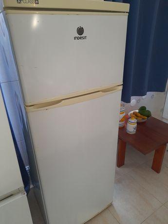 Vendo frigorífico em bom estado de conservação