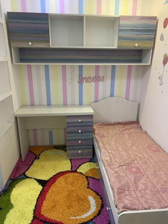 Продам спальню , пользевались 1 год . В идиальном состоянии.