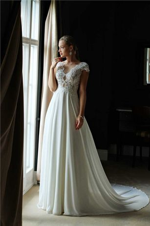 Suknia ślubna Bellissima Annais By Ola La Expressia, bolerko i welon