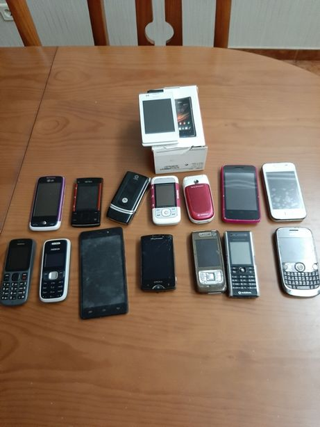 Lote telemóveis a funcionar e bom estado