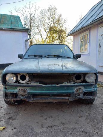 Продам BMW E30   1985 р.