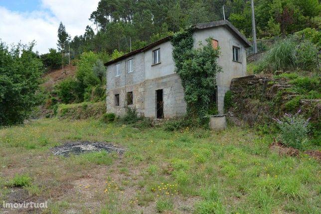 Quinta c/ Casa em Pedra p/ Restauro - Rio Caldo