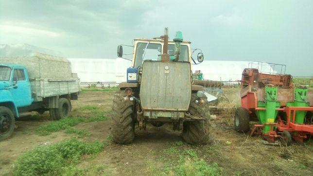 Продам Зил, 3 трактора Т150, Сільгосптехніку
